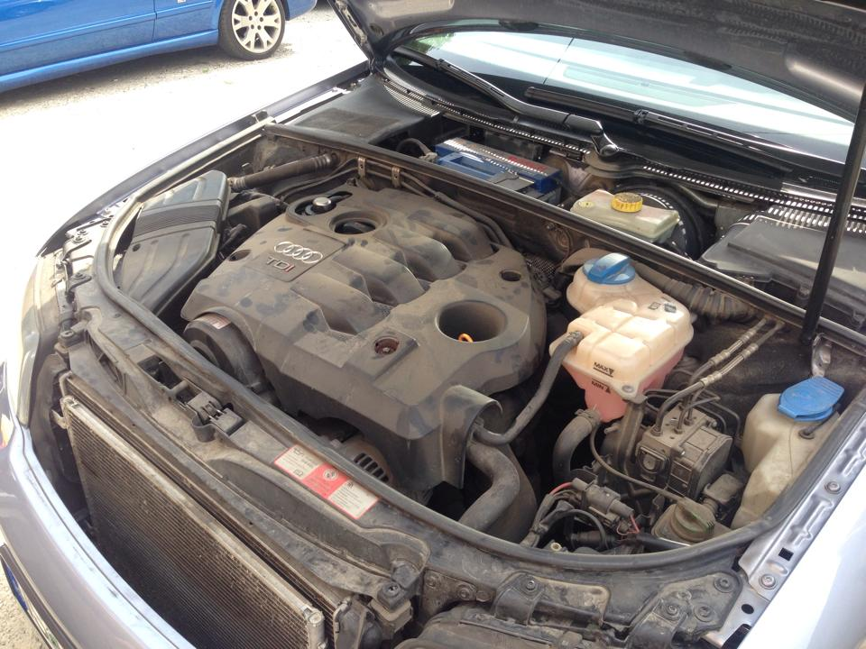 Detailing Motor Audi A4 - inainte