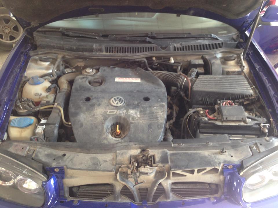 Detailing Motor Golf 4 - inainte